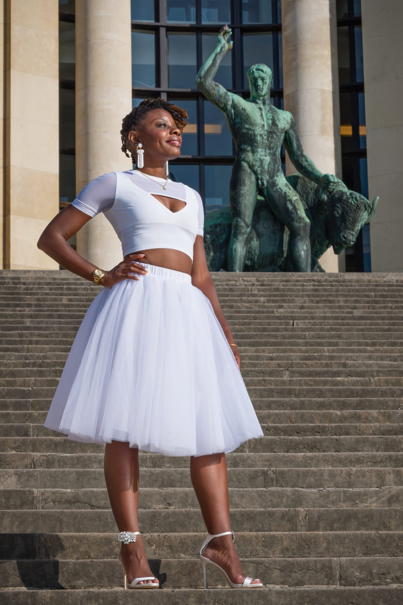 African American woman in Paris at Trocadero / Black Fashion Photography / Matthieu Waddell Photo / Paris Photographer Matthieu Waddell