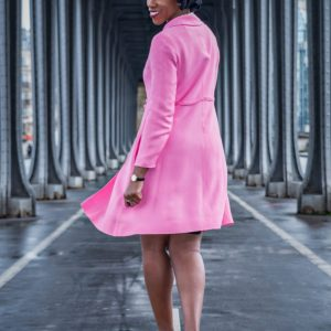 African American woman in Paris at the Bir Hakeim bridge / Black Fashion Photography / Matthieu Waddell Photo / Paris Photographer Matthieu Waddell