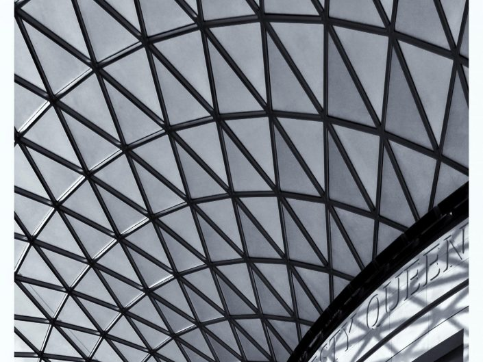 The British Museum ceiling in London / United Kingdom / Travel Photography / Street Photography / Matthieu Waddell Photo / Professional Photographer / Paris Photographer