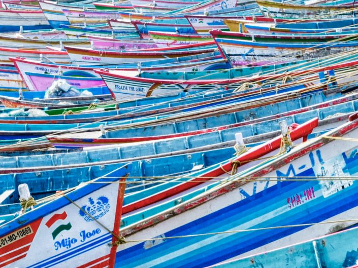 Fishermans boats / Vizjinham Port / India / Matthieu Waddell Photo