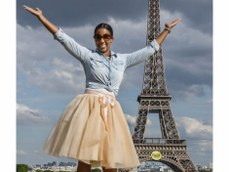 Happy moment at the Eiffel Tower Paris France / Matthieu Waddell Photo