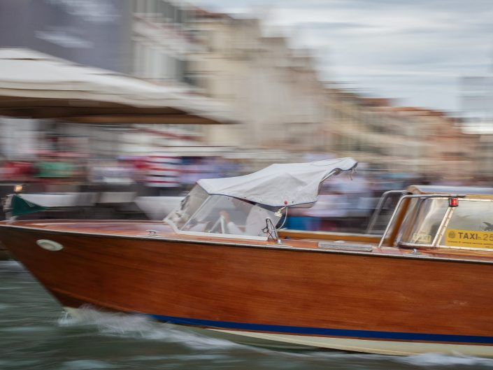 Water Taxi in Venice / Italy / Travel Photography / Street Photography / Matthieu Waddell Photo / Professional Photographer / Paris Photographer