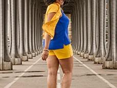 Bir-Hakeim Bridge / Paris / France / Matthieu Waddell Photo / Black American Woman / Paris Photographer / Matthieu Waddell
